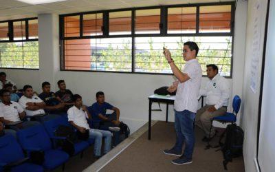 Estudiantes de mecánica participan en curso – taller de inmovilizadores automotrices