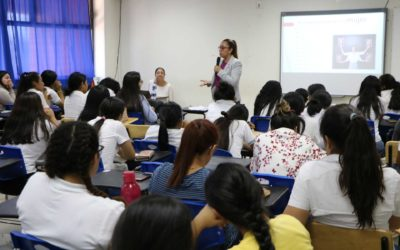 """Imparten la conferencia """"Ser Mujer, mi Fuerza y mi Poder"""" en la UTCGG"""