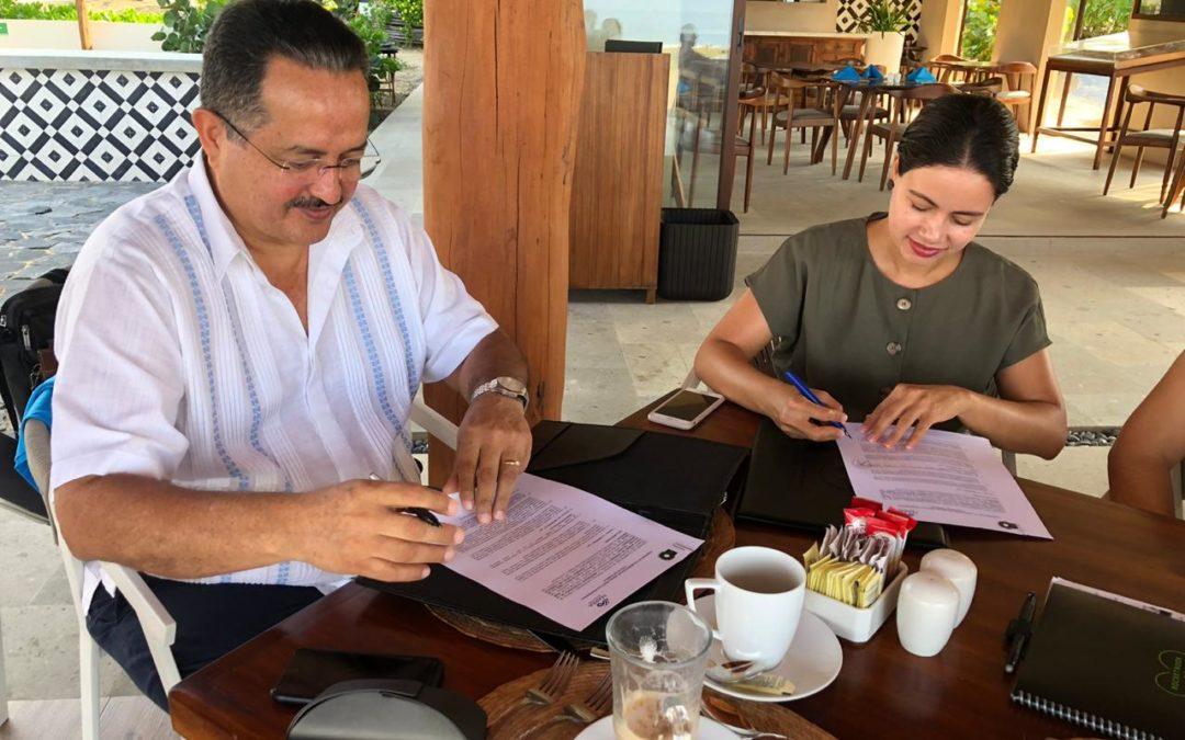 La UTCGG firma convenio con la empresa Playa Blanca y Más (Marea)