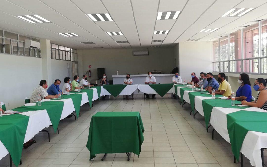 Rector de la UTCGG sostiene reunión con directivos