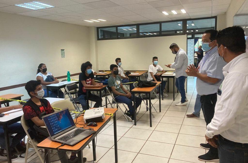 La UTCGG fortalece programa de prácticas académicas en modalidad mixta
