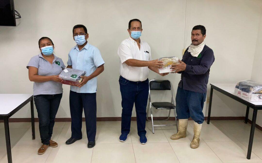 La UTCGG entrega uniformes a personal de mantenimiento